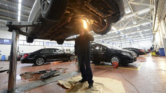 Автомобилистов хотят заставить посещать техцентры перед продажей авто