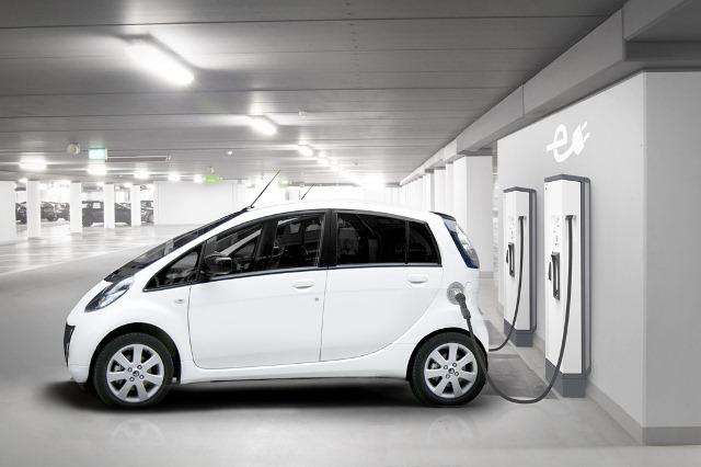 ЕАЭС снизит импортные пошлины на комплектующие для электромобилей