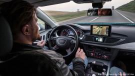 В ФРГ ожидают большой спрос на машины c автопилотом