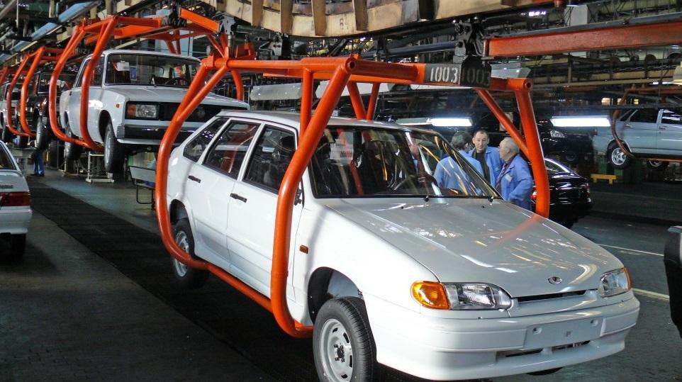 Доля автомобилей российского производства увеличилась за год на 9,2%