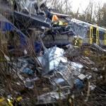 Столкновение поездов в ФРГ: десять погибших, почти сотня раненых