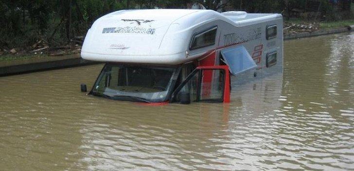автомобиль затопило