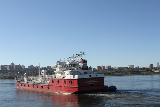 Красноярская судоверфь спустила на воду танкер-бункеровщик для Норникеля