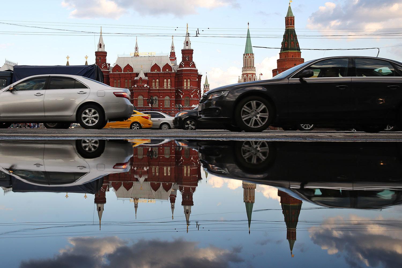 Легковой автомобиль в России обесценивается все