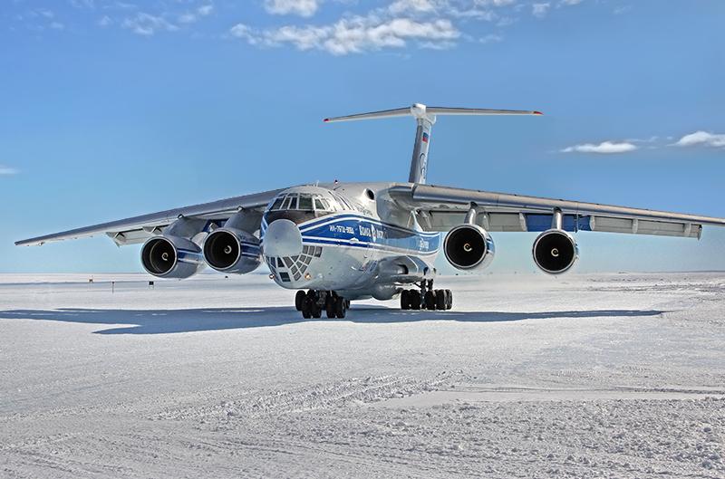 Испытательные полеты из Москвы курировал шеф-пилот ГосНИИ ГА Герой России Рубен Есаян