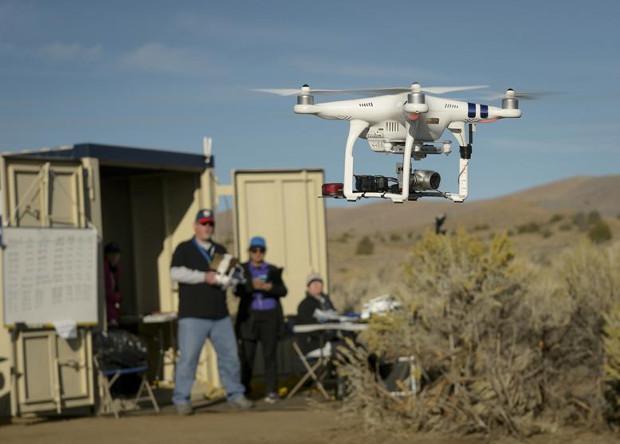 Легкие дроны признали безопасными для самолетов