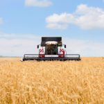 Продажи тракторов и комбайнов в РФ будут расти вплоть до 2020 года