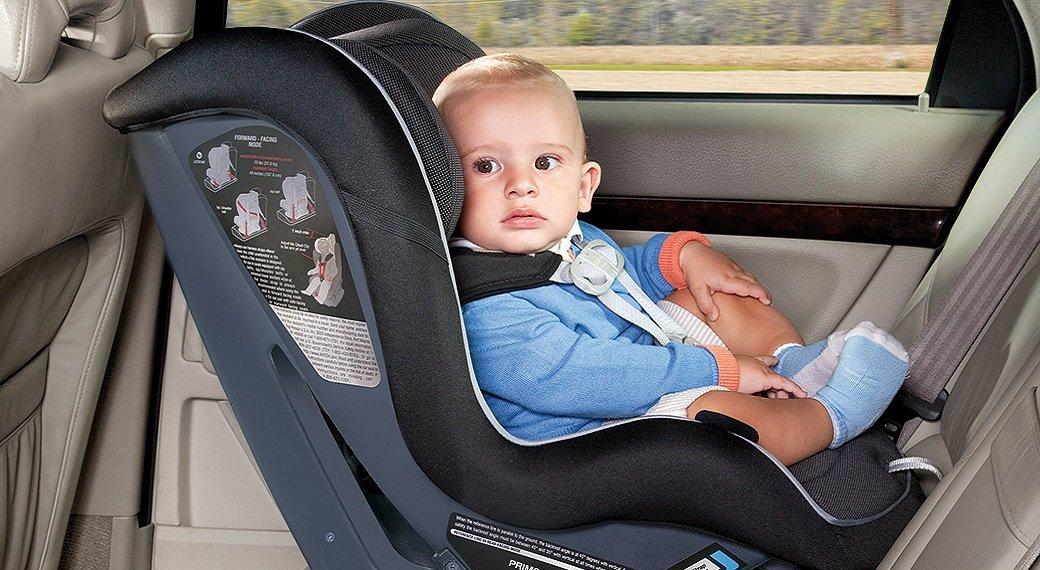Ребенок должен сидеть в автокресле