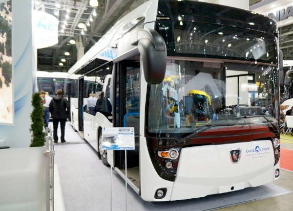 Салон электрического автобуса рассчитан на 85 человек