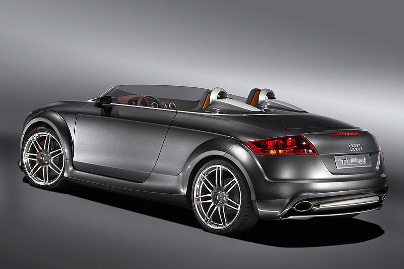 Семейство Audi TT совместило дизель с полным приводом