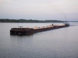 Спрос на речной транспорт стремительно падает