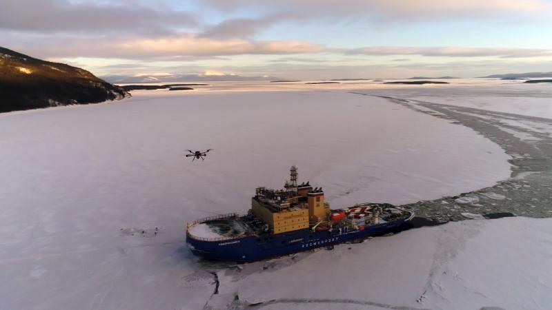 Ледокол «Новороссийск» проходит ледовые испытания в Карском море