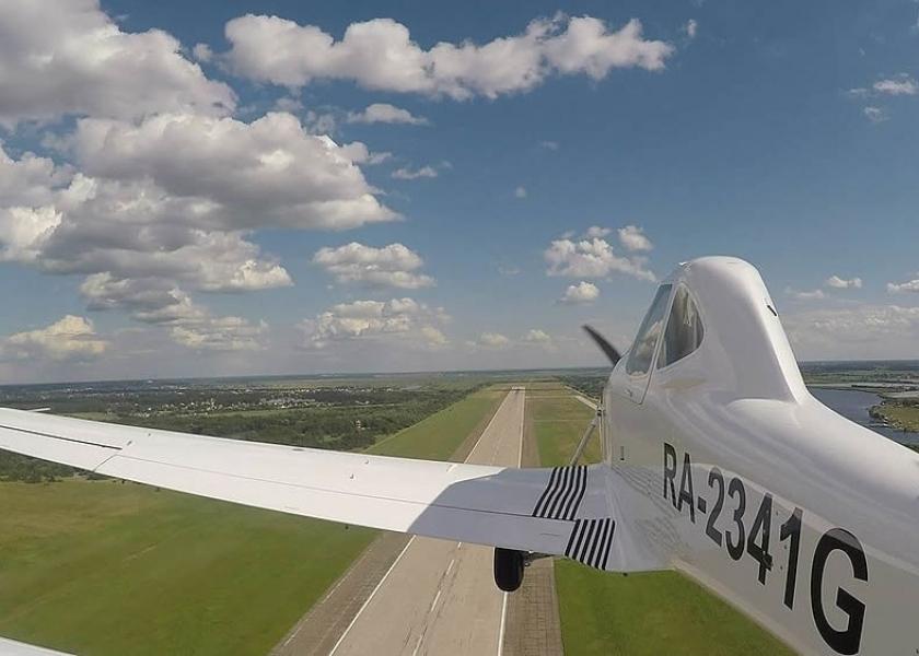Специальная система шасси дает Т-500 возможность производить взлет и посадку вне аэродромов.