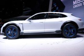 Порше презентовал концептуальный автомобиль электрокара Mission E Cross Turismo