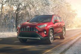 Новую Toyota RAV4 откровенно расхвалили эксперты