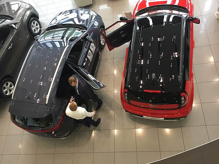 Россияне пересаживаются на дорогие автомобили